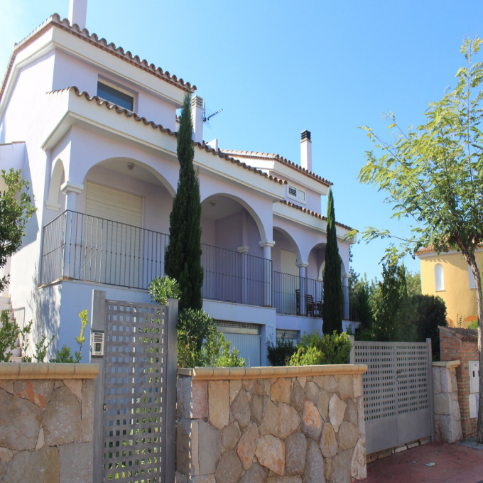 Offres de vente Villa  (12598)
